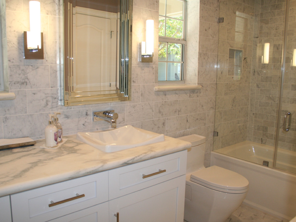 Bathroom remodeling pictures yancey company - Pictures of remodeled small bathrooms ...